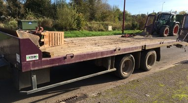 Rental door-gear Fruehauf 13 tons €80