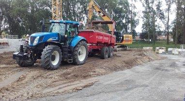 Tractor-New Holland Querrieu TP dumpster rental